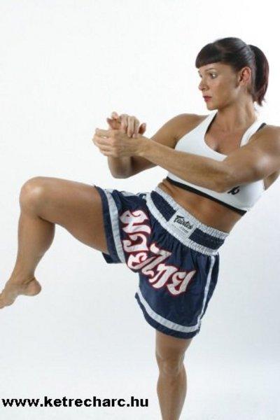 Egy nõi MMA harcos