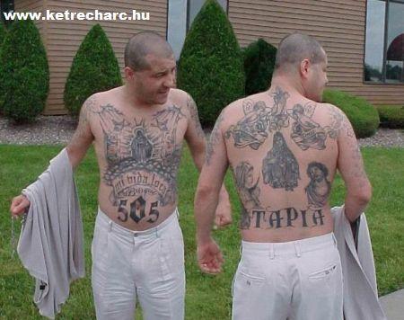 Tetovált harcosok